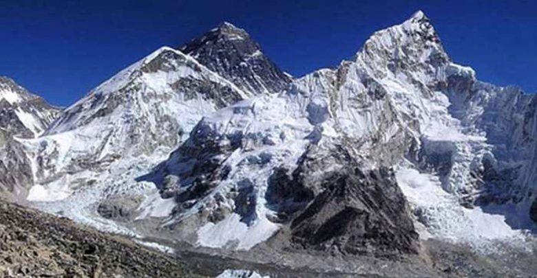 نيبال:-فقد-4-من-الكوريين-الجنوبيين-و-3-مرشدين-نيباليين-في-انهيار-جليدي-،-أكثر-من-150-سائحاً