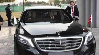 """واو-،-باكستان-،-عمران-يصبح-""""سائق""""-مرة-أخرى!-سأل-الناس-–-هل-غيرت-عملك؟"""