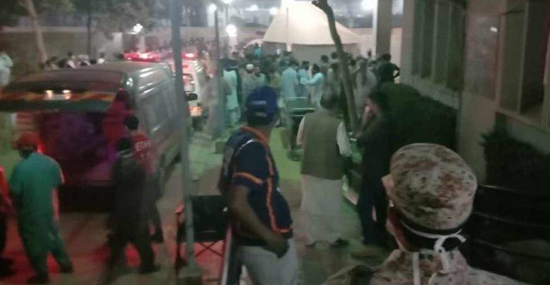 باكستان:-مقتل-6-أشخاص-بسبب-الغاز-السام-،-حيث-يتسرب-الغاز-حتى-الآن