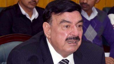 قال-وزير-السكك-الحديدية-الباكستاني-،-الغاضب-في-مولانا-،-إذا-كنت-تجلس-ضد-الحكومة-،-فسوف-نعتقل