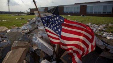 ضربة-الطبيعة-المزدوجة-لأمريكا:-تسببت-كورونا-الأولى-في-حدوث-فوضى-،-والآن-تولى-الإعصار-حياتها
