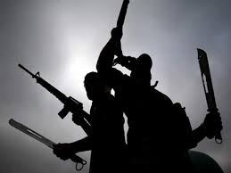 الفلبين:-مسلحون-يطلقون-النار-على-9-راكبي-دراجات-نارية-،-ويشعلون-النار-في-المدينة