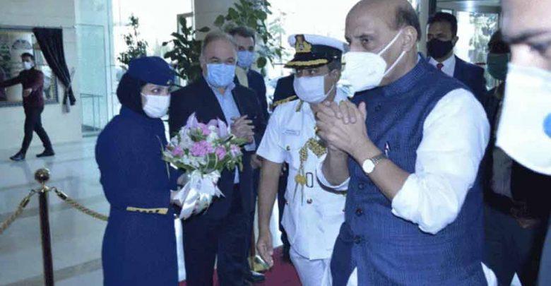"""وزير-الدفاع-راجناث-سينغ-يصل-إلى-العاصمة-الإيرانية-طهران-""""حصارا""""-على-جبهة-أخرى"""
