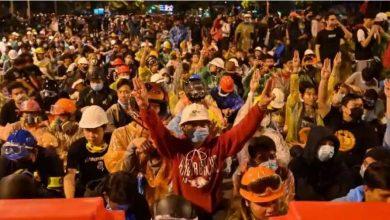 حكومة-تايلاند-توقع-اتفاقية-مع-المتظاهرين-،-رفعت-الطوارئ