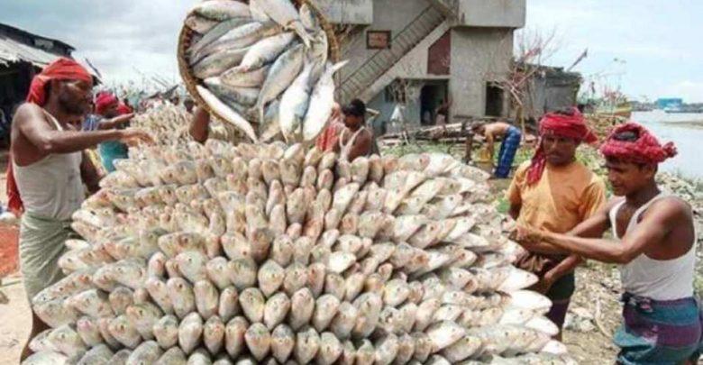 رهبة-كورونا:-أغلق-هذا-البلد-سوق-السمك-وفرض-حظر-تجول-في-مناطق-كثيرة