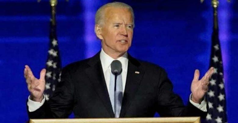 جو-بايدن:-كسر-عظم-جو-بايدن-،-وهو-يلعب-مع-الكلب-،-رئيس-الولايات-المتحدة-المنتخب-حديثًا