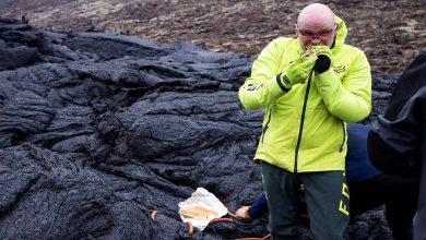 بركان-أيسلندا-،-جبل-fagradalsfjall:-العلماء-يطبخون-النقانق-على-الحمم-البركانية-الساخنة-،-الفيديو-ينتشر-على-نطاق-واسع