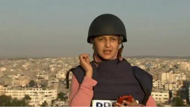 سقط-صاروخ-على-مسافة-قصيرة-من-صحفية-في-مدينة-غزة-،-لكنه-لم-يتوقف-عن-البث-الحي-رغم-ذلك