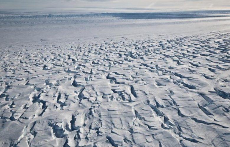 """ذوبان-الأنهار-الجليدية-في-أنتاركتيكا:-النهر-الجليدي-في-أنتاركتيكا-""""جزيرة-الصنوبر""""-في-خطر-،-وذوبان-الجليد-يختفي"""