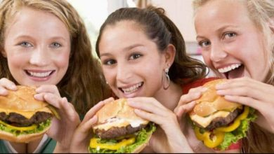 المملكة-المتحدة:-لن-يتم-عرض-إعلانات-الأطعمة-غير-المرغوب-فيها-من-الساعة-5.30-صباحًا-إلى-9-مساءً-،-وقد-اتخذت-الحكومة-خطوات-لمنع-السمنة-عند-الأطفال
