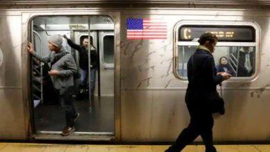 نيويورك:-وقع-سائق-القطار-هذا-في-الحب-بجنون-،-ودعا-صديقته-في-غرفة-التحكم-ثم-…