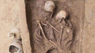 الأخبار-الفيروسية:-عاشق-الزوجان-يد-بعضهما-البعض-لمدة-1500-عام-،-حتى-الموت-لا-يمكن-أن-ينفصل-عن-الحب
