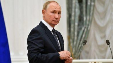 في-قبضة-كورونا-الذي-اقترب-من-فلاديمير-بوتين-عزل-الرئيس-نفسه